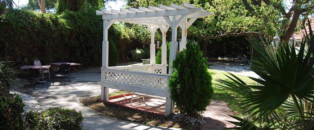 Astoria garden area